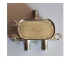 2-Way Splitter 5 - 2250 MHz